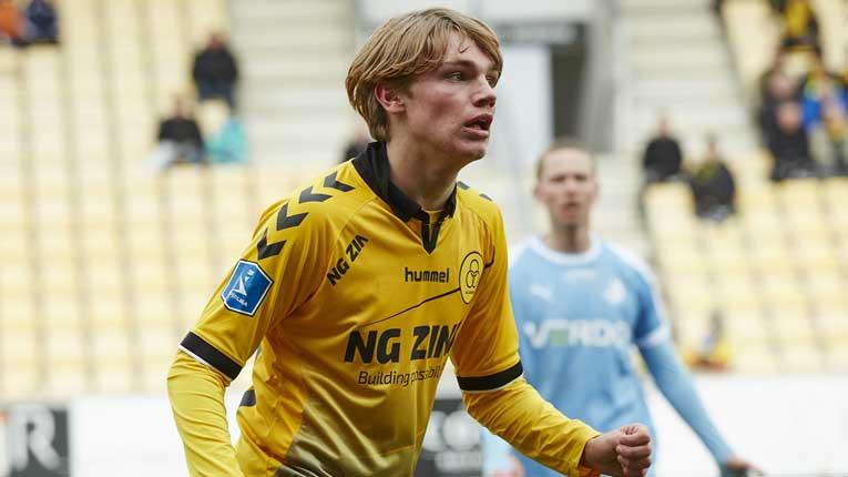 Во Данска се појави чудо од играч за кој допрва ќе се чуе, запаметете го неговото име