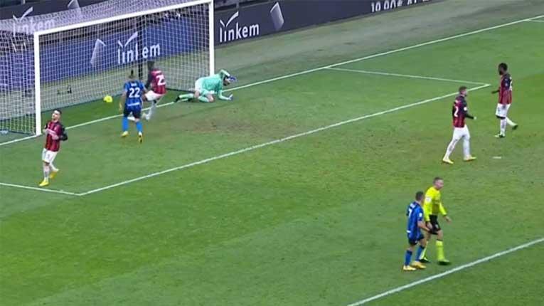 Лудо дерби во Милано: Ибрахимовиќ исклучен, Интер со гол во 97 минута направи пресврт