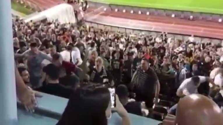 Хаос: Навивачите на Партизан се тепаа поради скандирање за претседателот Вучиќ